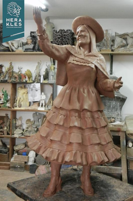Estatua Alicia Delgado Herakles Estudio