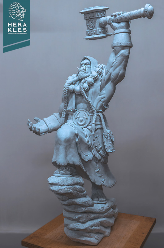 Wow Thrall sculpture - Herakles Estudio